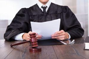 judge reading docs
